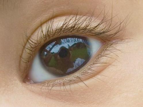 Spiegelung in Baby-Auge
